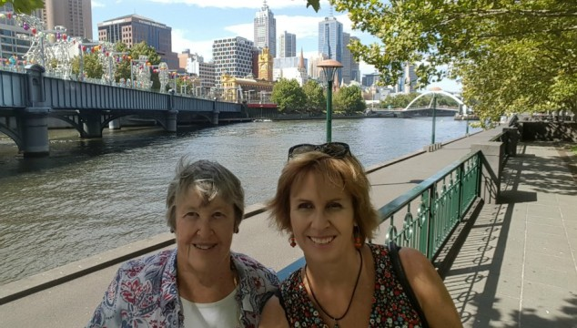 jen and mum on the banks of the Yarra Southgate